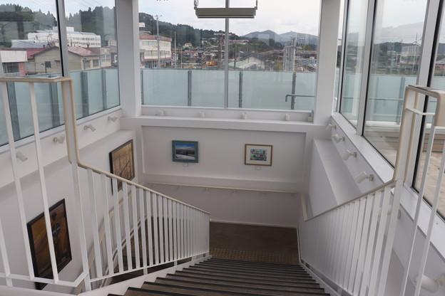 男鹿駅 階段