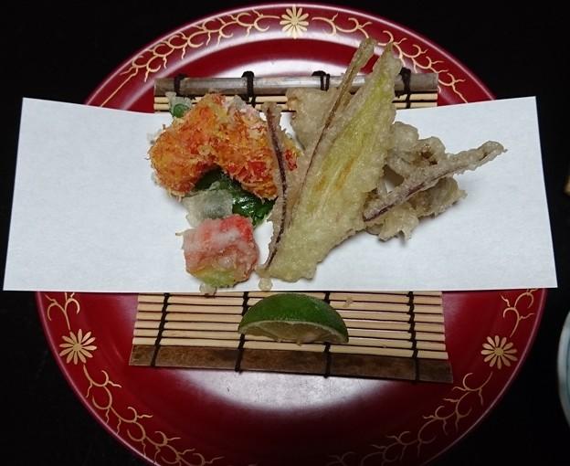 油物~海老アーモンド揚げ、菊葉