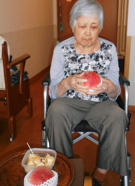 また今年も山梨から桃を送ってもらった