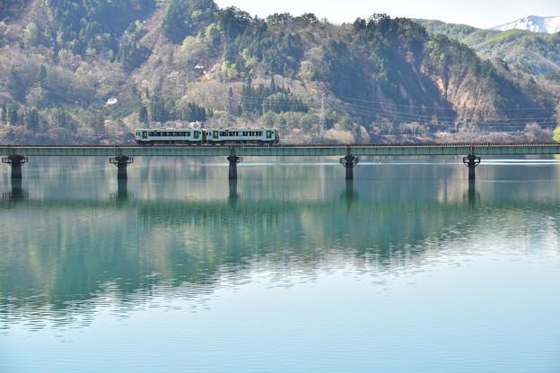 春の錦秋湖4