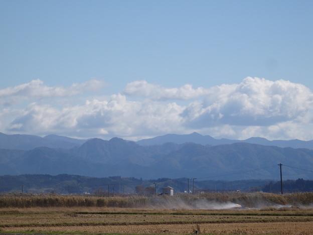 稲刈りのあとの風景