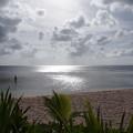 グアムの海に光がさす