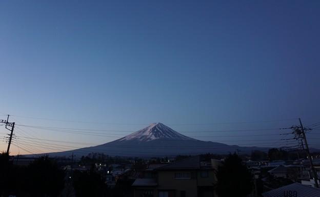 電線富士山