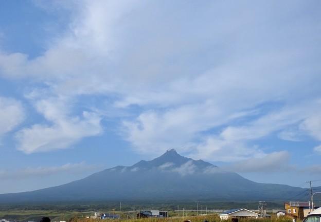 秋空と利尻富士