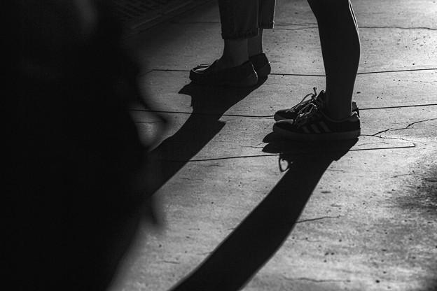 light‐dark-platform
