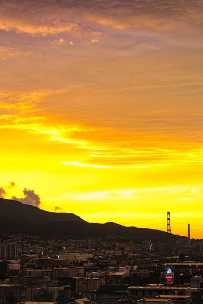 鉄塔のある風景/秋は夕暮れ