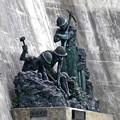 黒部の銅像