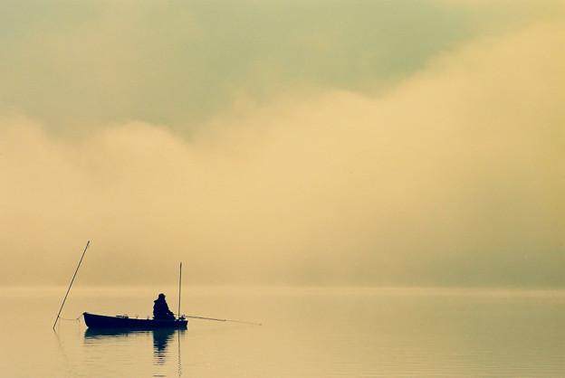 写真: 霧晴れる