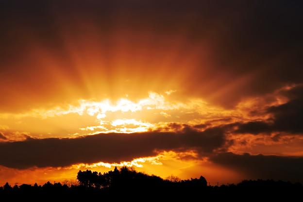 夕暮れの光芒