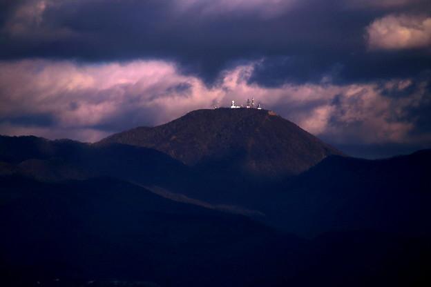 写真: 夕暮れの赤城山