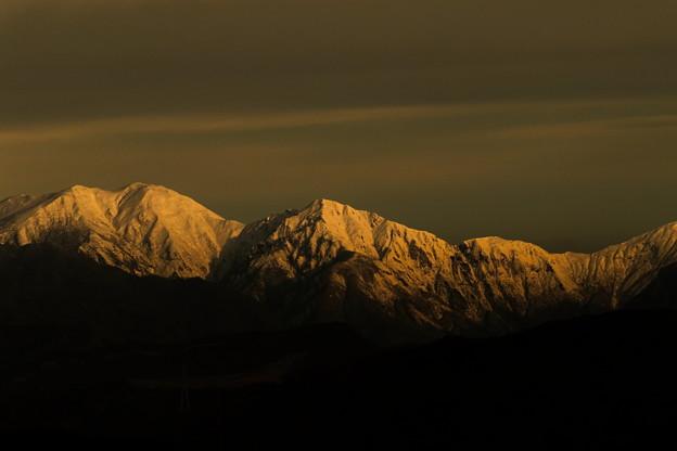 早朝の雪山