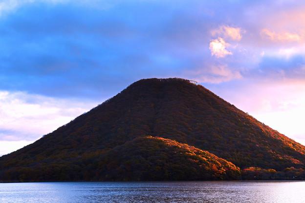 朝の榛名山(今年もお世話になりました)