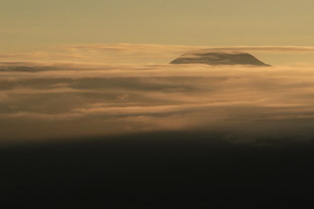 Photos: 雲覆う朝