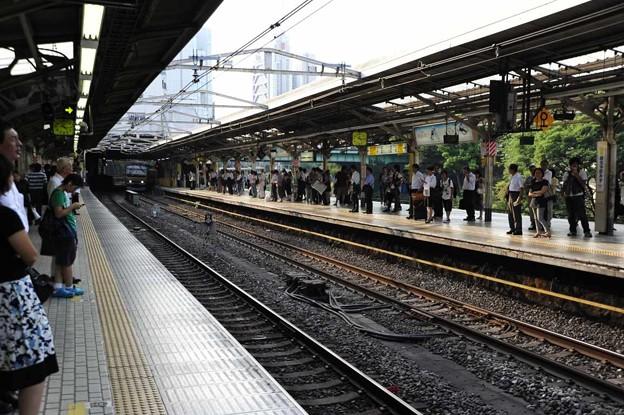 Photos: 「私鉄沿線」野口五郎 アルトサックスで吹いてみました。東京 絵夢島/PIXTA