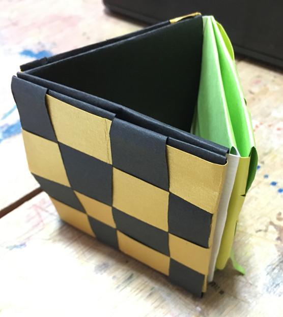 切り込み立方体