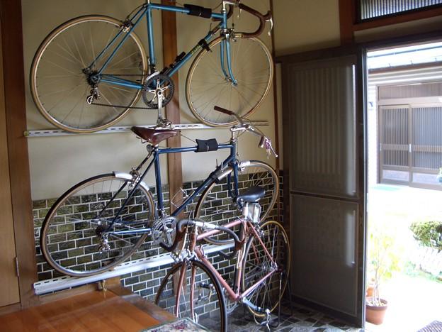 自転車の 自転車 収納 diy : 写真: 自転車壁面収納2.JPG