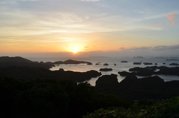 島の夕日。