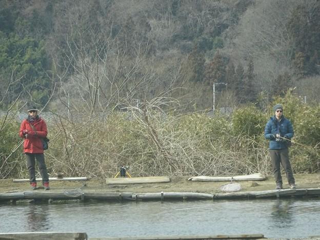 2人並んで釣り