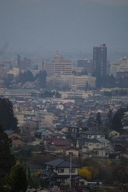 写真: 福島市内遠景