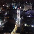 写真: 夜の歌舞伎町