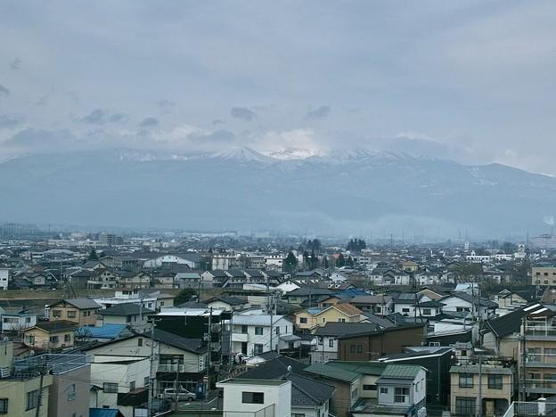 東北新幹線車窓から望む吾妻小富士