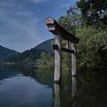 桧原湖の鳥居