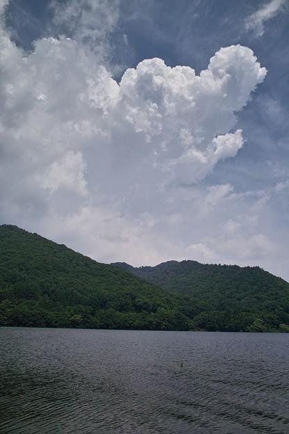 桧原湖上の雲