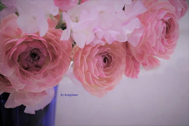 写真: 青い花瓶