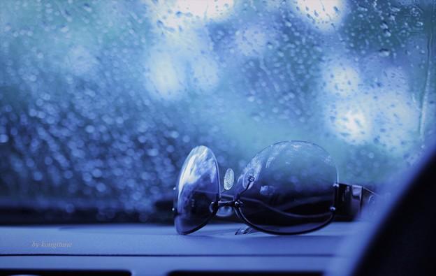 写真: 今日も雨・・・