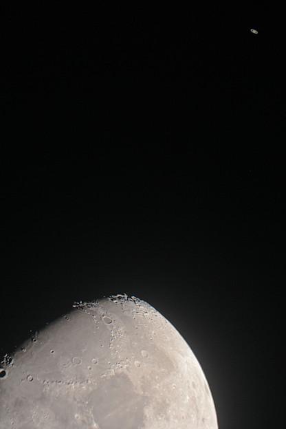 月と土星の接近23時49分