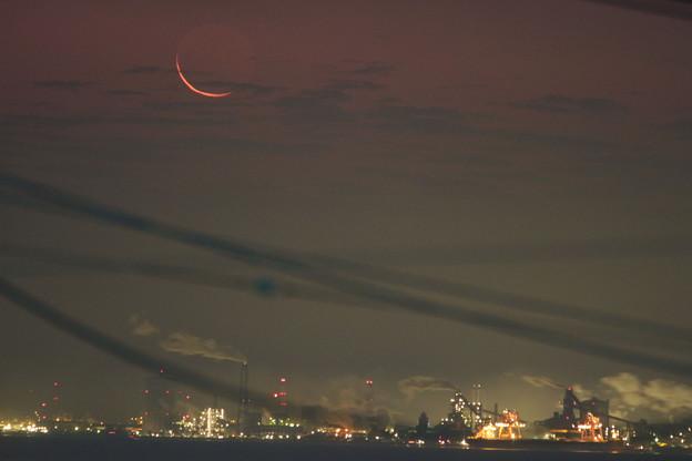 日食32時間前の月