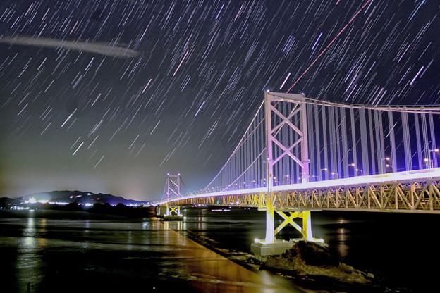 大鳴門橋に昇るオリオン