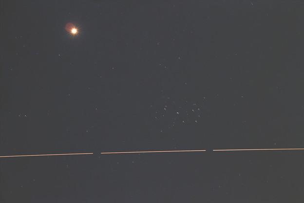 Photos: 金星とプレアデスと国際宇宙ステーション