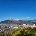 Photos: 白い月と白い・・・山!?
