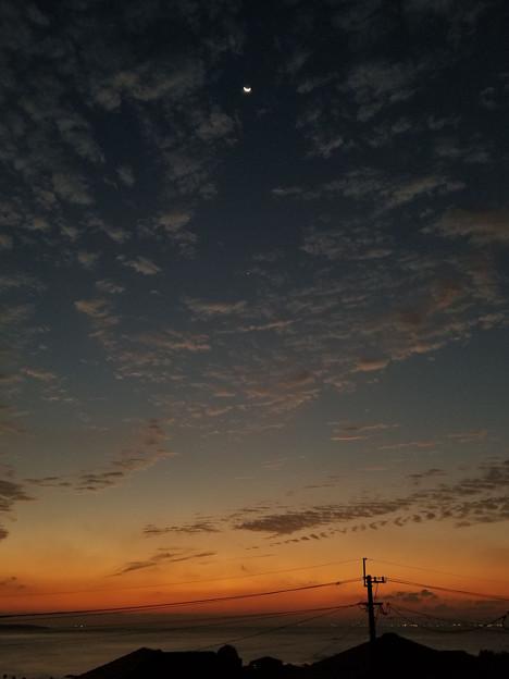 20201013早朝の月と金星