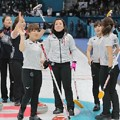 カーリング女子、韓国に延長で敗れ決勝進出ならず メダルかけ3位決定戦へ