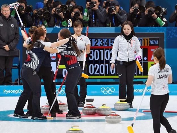 日本が終盤に追いつき延長戦までもつれたが、7-8で韓国に惜敗した【写真は共同日本、延長戦で惜敗し3位決定戦へ