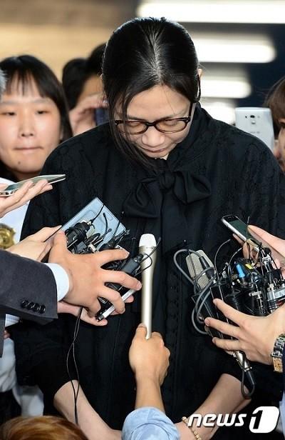 """2014年""""ナッツ・リターン""""事件で人事上の不利益とパニック障害などを経験したと主張したパク・チャンジン元大韓航空事務長が、大韓航空から2000万ウォン(約200万円)の賠償を受けることになった。"""