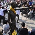 【社説】法を執行した釜山市長が無法者に謝罪、こんな国がほかにあるのか