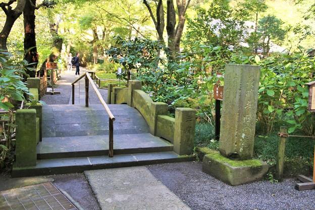 IMG_2240 明月院・総門の裏手に有る石橋