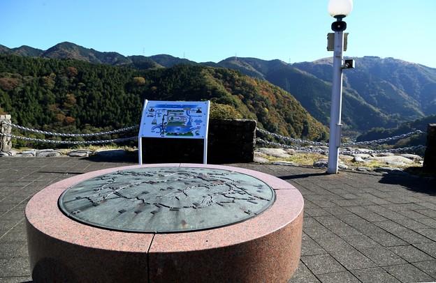 IMG_5698 三保ダム・方位盤と位置マップ