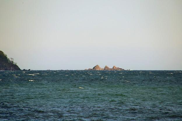 IMG_6384 海を見ていた午後・真鶴三ツ石-1