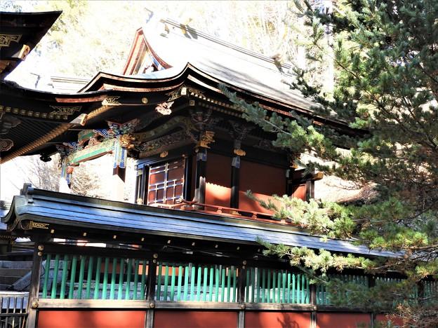 DSCN8189 三峯神社・本殿(拝殿の真後ろ)