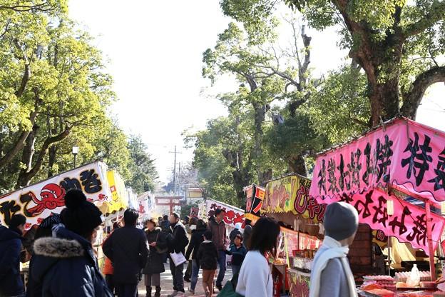 IMG_7400 新春の境内の賑わい