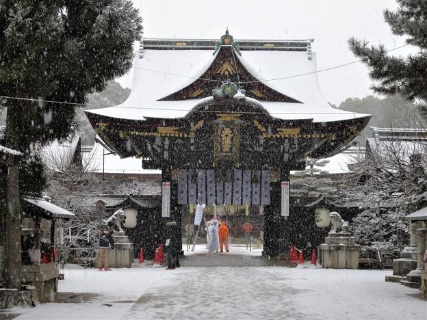 DSCN2414 雪中北野天満宮・三光門(テーマタグ:雪景色)