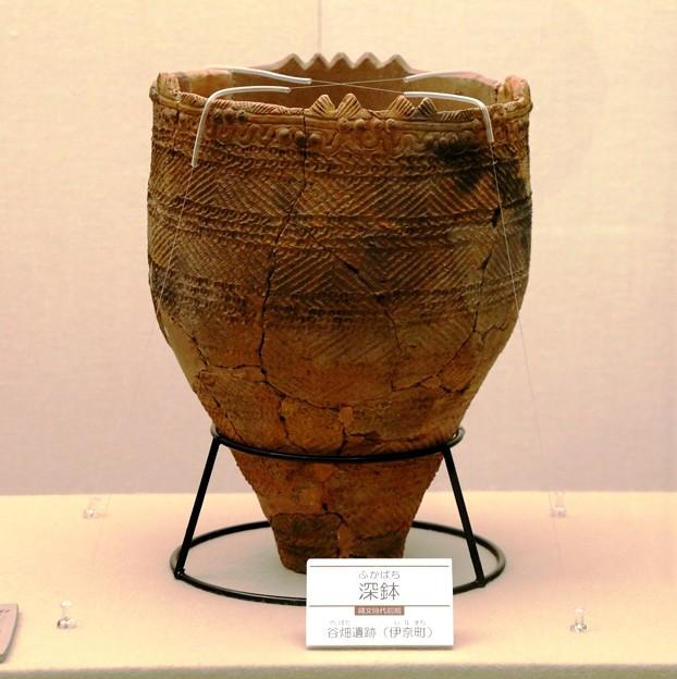 縄文土器・深鉢(テーマタグ:アートフォト)