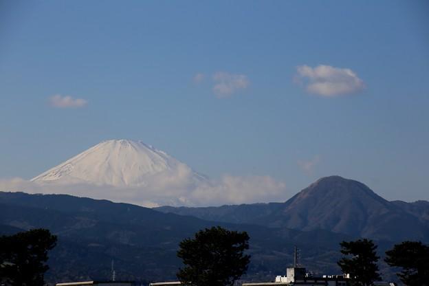 富士山と2ショットのお結び山、じゃなく矢倉岳です。