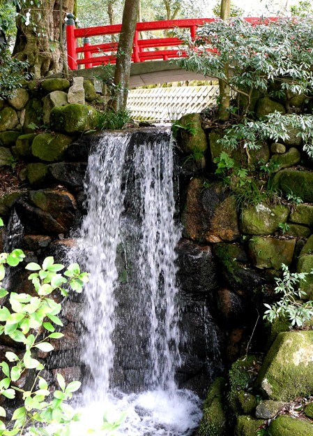 境台の小さな滝