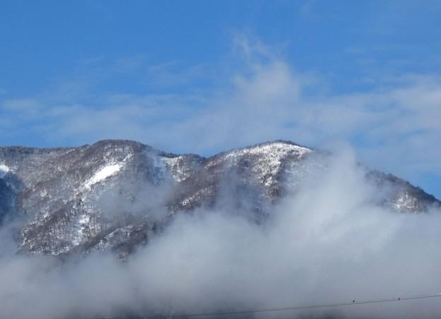 山頂の雪も融けて