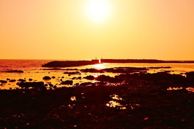 写真: 夕景 漁港